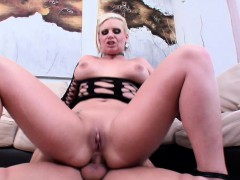 Blonde Phoenix Marie Shows Her Gaping Hole