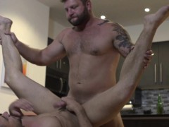 Tattooed Muscle Bear Cocksucking Before Anal
