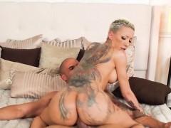 Hot Chick Bella Bellz Enjoys Hardcore Anal Plowing