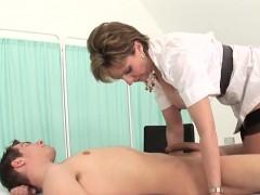 adulterous uk milf lady sonia presents her big breasts xxx.harem.pt