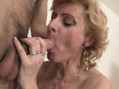 he-picks-up-mature-blonde-for-play