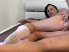 watch-amateur-mature-bitch-in-stockings