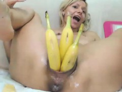 long-hair-blonde-fisting-live-on-cam