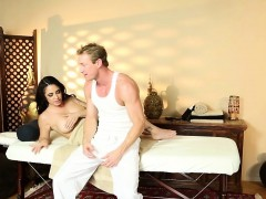Bigtitted Massage Beauty Pussypounds On Table