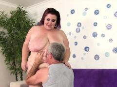 big-boobed-bbw-lady-lynn-takes-fat-cock
