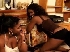 Slaves Pleasing Mistress Friends PornoShok-dir
