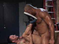 muscle-bear-anal-sex-with-facial-cum