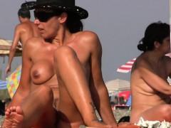sexy-nudist-beach-spy-fat-pussy-crotch-shot