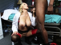 brazzers-doctor-adventures-julia-ann-luca