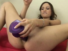 nympho amber rayne double dildo banging her holes