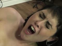 aubrey-noir-swallowing-hot-cumshot