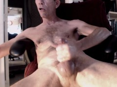 french-amateur-gays-fuck-in-the-locker-room