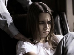 psychiatrist-takes-advantage-of-teen-who-got-arrested