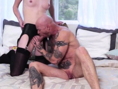 Shemale Mandy Mitchell Gives Pussy A Hardcore Fuck