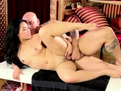 Asian Cindy Gives An Extra Fuck Service