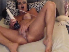 sexy-mommy-will-make-you-cum