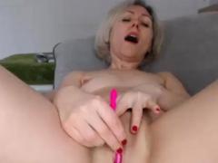 sensual-milf-squirting-everywhere