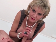 Adulterous British Mature Lady Sonia Shows Her Huge Boobies4