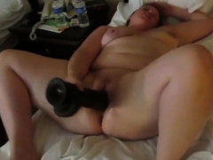 super-body-pawg-and-a-huge-black-dildo