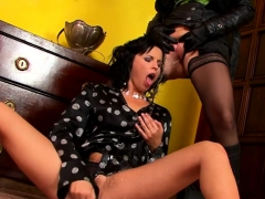 sweetheart needs to void urine before fuck – Free XXX Lesbian Iphone