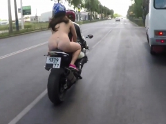 public-car-sex-outdoor-by-amateur-couple