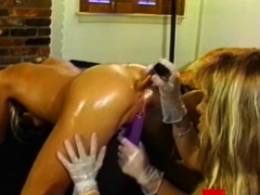 Kinky Dyke Babes Strapon Fucking In Luscious Threesome