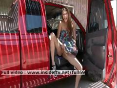 holly-amateur-babe-dressing-and-showing-us-her-pussy-and