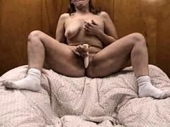 Dark Skinned Milf Uses Sex Toys To Masturbate Her Clit