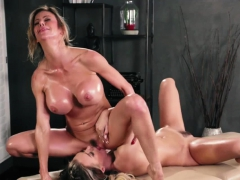 natalia enjoying a lesbian fuck massage – Free XXX Lesbian Iphone