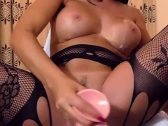 gorgeous-big-tits-camslut-toying-her-sweet-pussy
