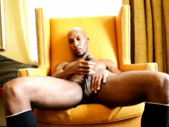 Solo Ripped Black Amateur Wanking Big Cock