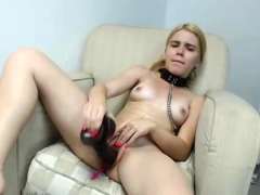 Hot Teen Toying Her Pussy On Live Cam