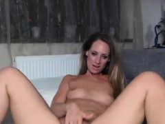 hot-milf-solo-toying