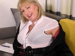 british-curvy-housewife-lorna-blu-showing-off-her-big-tits
