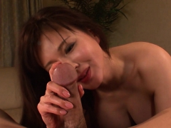 asian hottie wants her pussy filled with jizz
