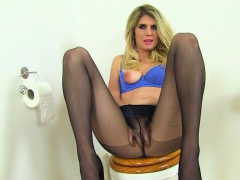 English Milf Elegant Eve Gets Naughty In Bathroom