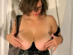 sexy tina – revealing my big boobs