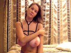 Amateur Little2sluti Flashing Boobs On Live Webcam