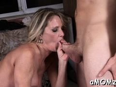 mature playgirl gets her twat gap split by throbbing cock
