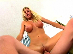 sex-appeal-busty-mom-regan-gets-ready-to-cum-at-last