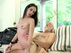 young-babe-has-sex-with-old-boyfriend