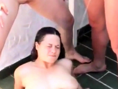 amateur-fmf-outdoor-pissing-threesome