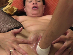 milf-gets-a-fist-deep-in-her-fat-pussy