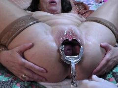 milf-gets-a-vaginal-speculum-deep-in-her-cunt-hole