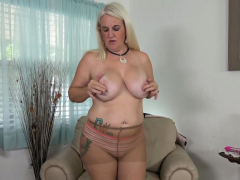 florida-milf-anna-moore-soaked-her-nyloned-panties