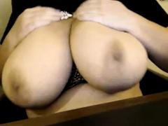 omg-news-big-boobs