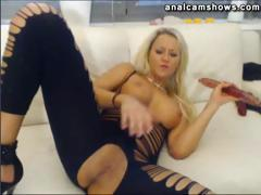 hot-bode-blonde-fucking-herself