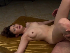 Airi Mizusawa needs the cocks – More at Pissjp.com