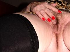 busty-plump-mature-needs-hairy-cunt-masturbation