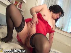 Horny Mature Mom stretching Her pink Part 6